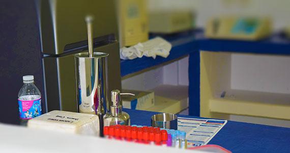 Servicios de Laboratorio y Análisis Clínicos